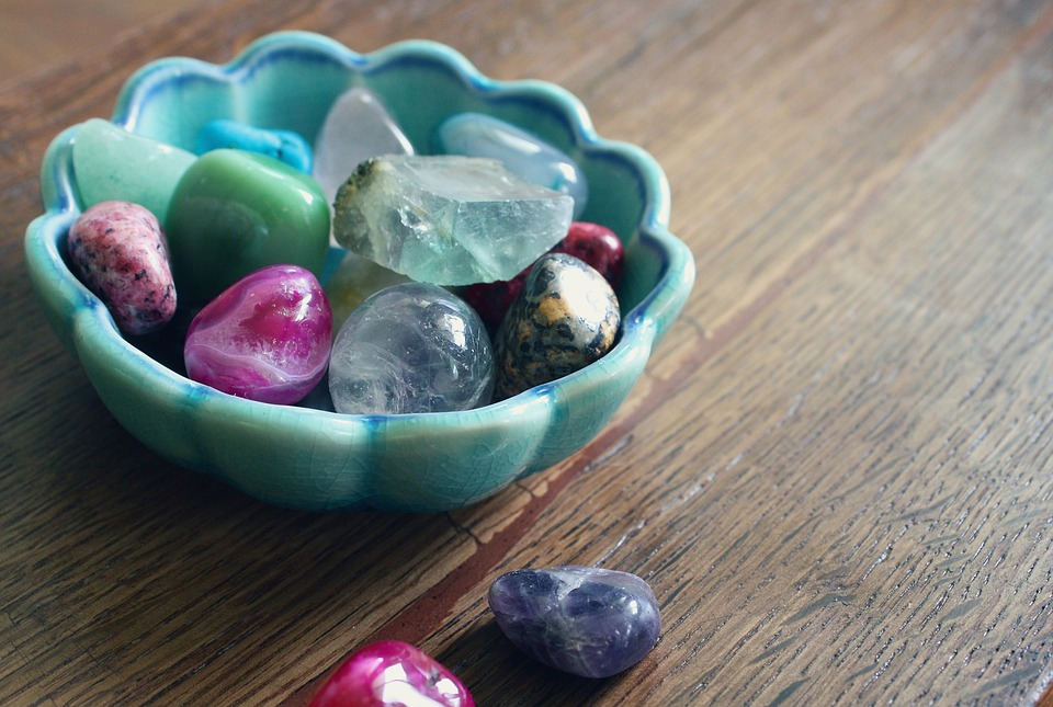 wiccan altar ideas - gemstones