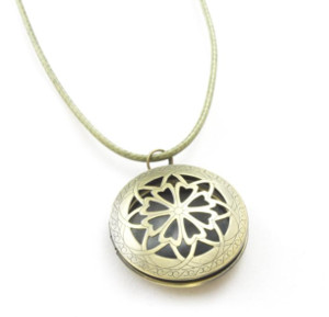 witch gift - diffuser locket