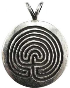 7 Powerful Wiccan Necklaces - Wiccan Spells